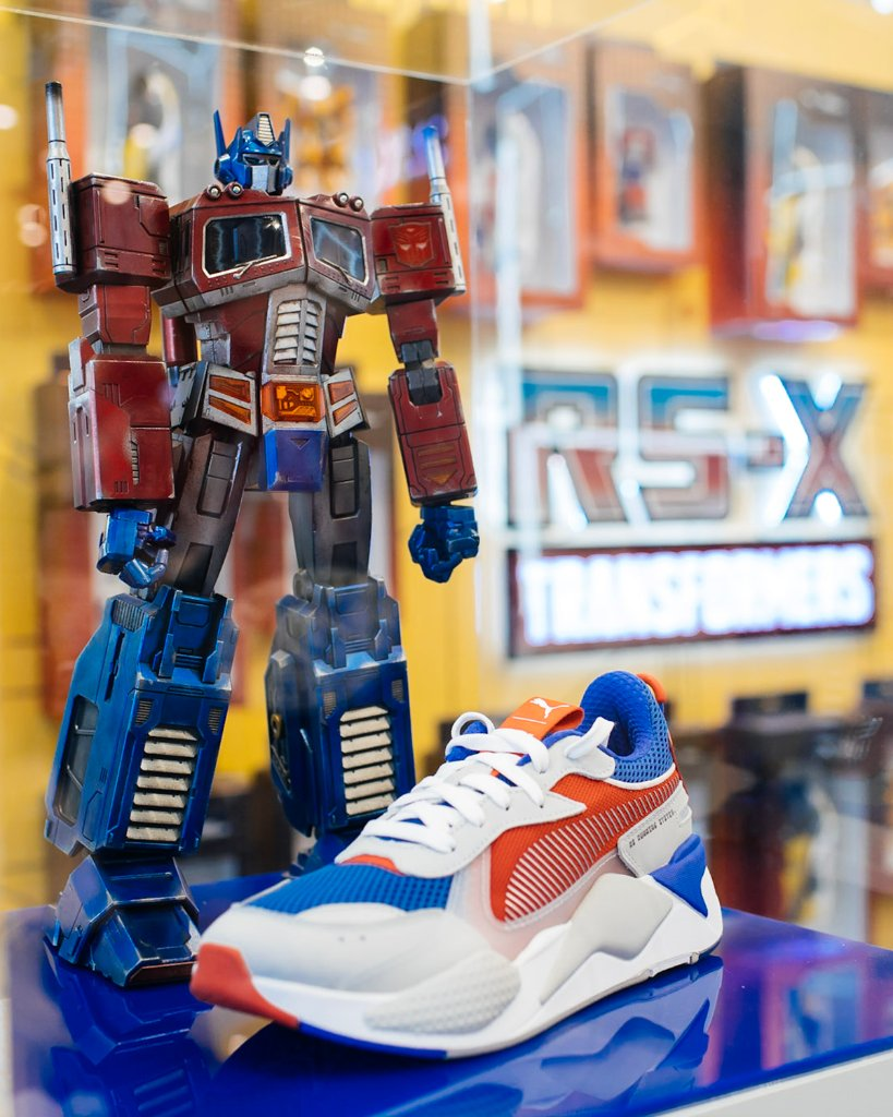 0b5b6719255d8c Each Puma x Transformer purchase will come with a free gift with purchase  toy!  PUMA  transformerspic.twitter.com KWQvtXj0pr