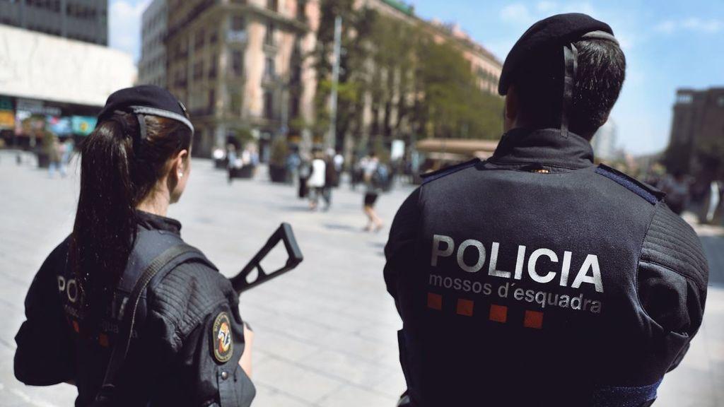 Buscan a un conductor de autobuses marroquí, sospechoso de querer atentar en Barcelona http://bit.ly/2CvQAXF