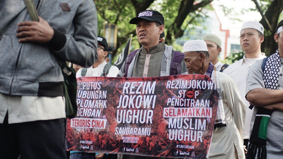 MUSLIM UIGHUR SAUDARA KITA. Oleh : Dariyanto al-Faruq #DukaUighurDukaKita . #StandWithMuslimUighur          #K561