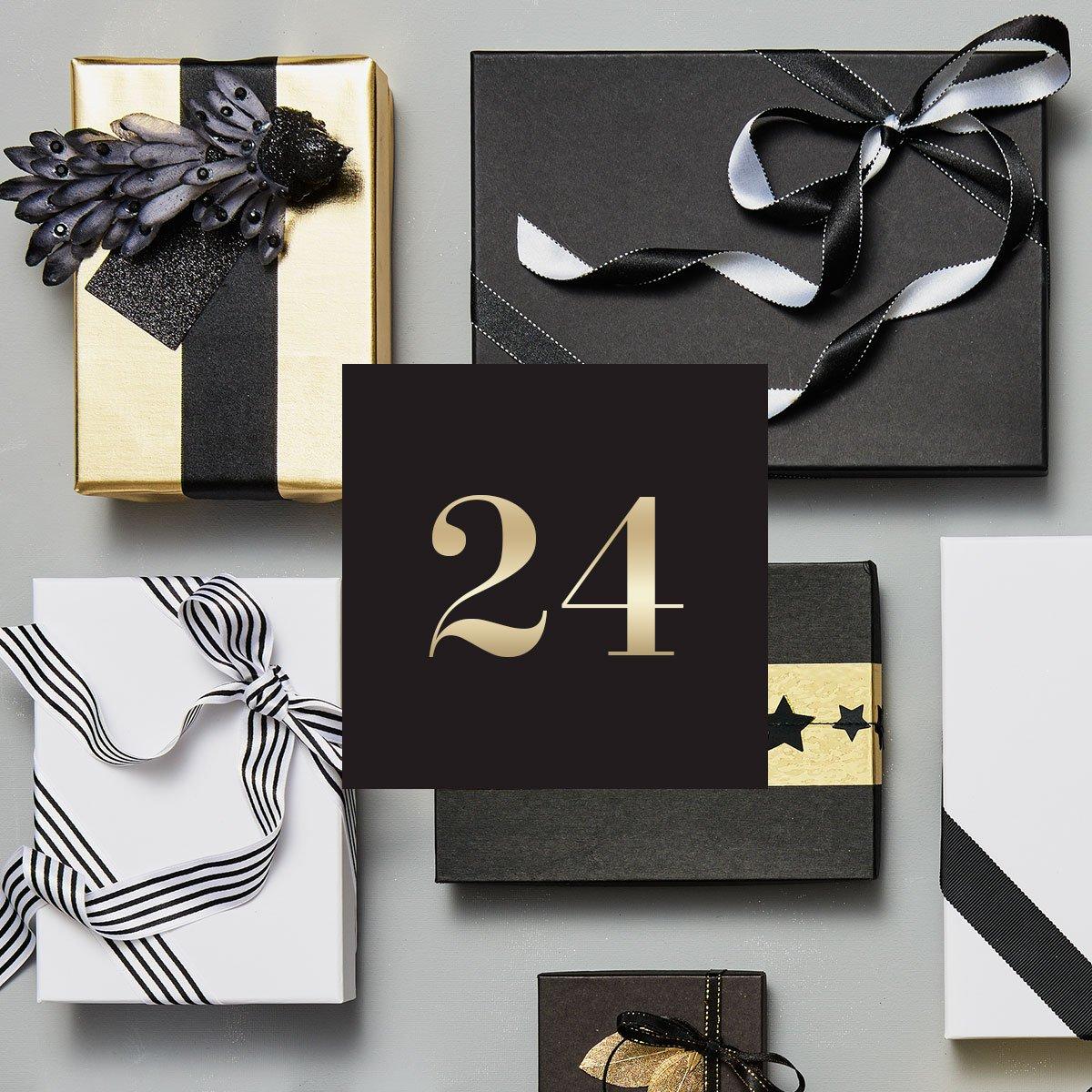 🔔 H&M CLUB Julekalender - 24. december 🔔 Nu er det endelig jul 🎄 Vind en verden af fashion! Gå ind i H&M-appen og deltag i den sidste, men bedste, julekonkurrence! Der er 3 heldige vindere 🎁 Glædelig jul! 🎅🏽 https://t.co/tghpraTB4y
