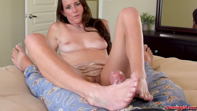 Another vid sold! Step Mom gives Son Foot Job https://t.co/LZzeEA0Qdj #MVSales #ManyVids https://t.c