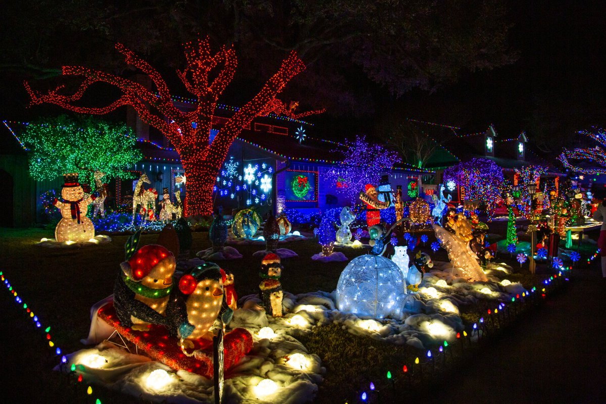 Merry Christmas Eve #planotx! Although Deerfield Lights are a fave, make time to check out the three over-the-top homes at Biscayne and Independence this ...