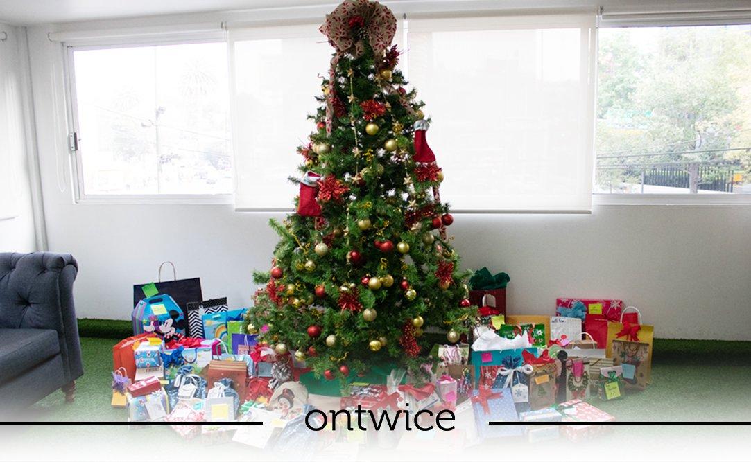 ¡Santa llegó antes a #GrupoOntwice para desearles a todos #FelizNavidad! 🎅 https://t.co/wb450Z7eHH