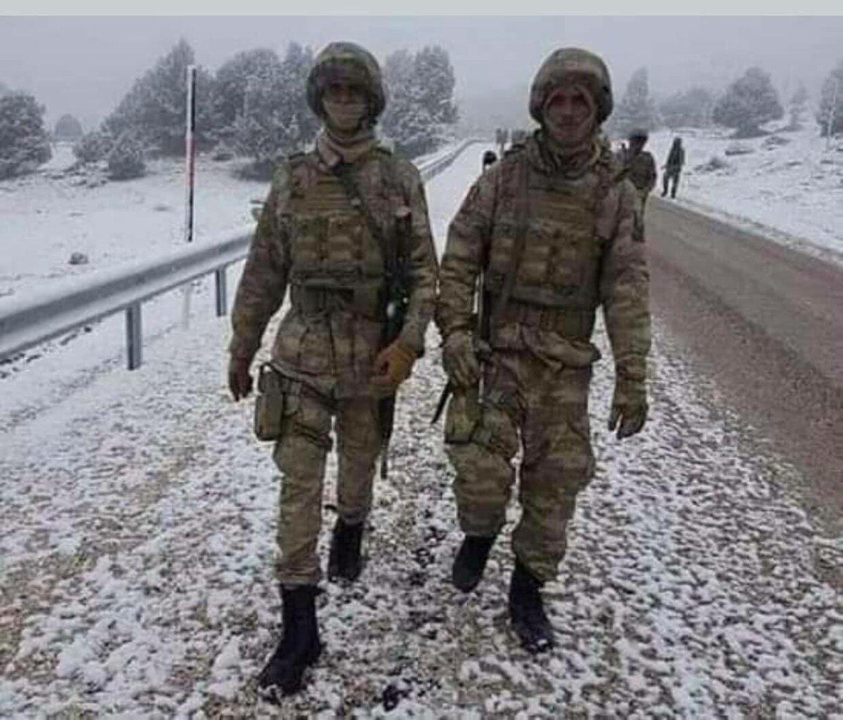تركيا تخرج أوّل دفعة ضباط صف في الصومال من قاعدتها العسكرية DvR2g94X4AIkjX7