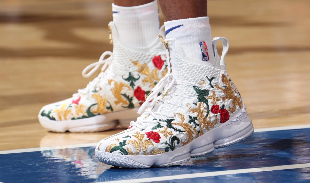 0a99f13dd06c solewatch isozo gets christmas day started in the kings cloak kith x nike lebron  15 nbakicks
