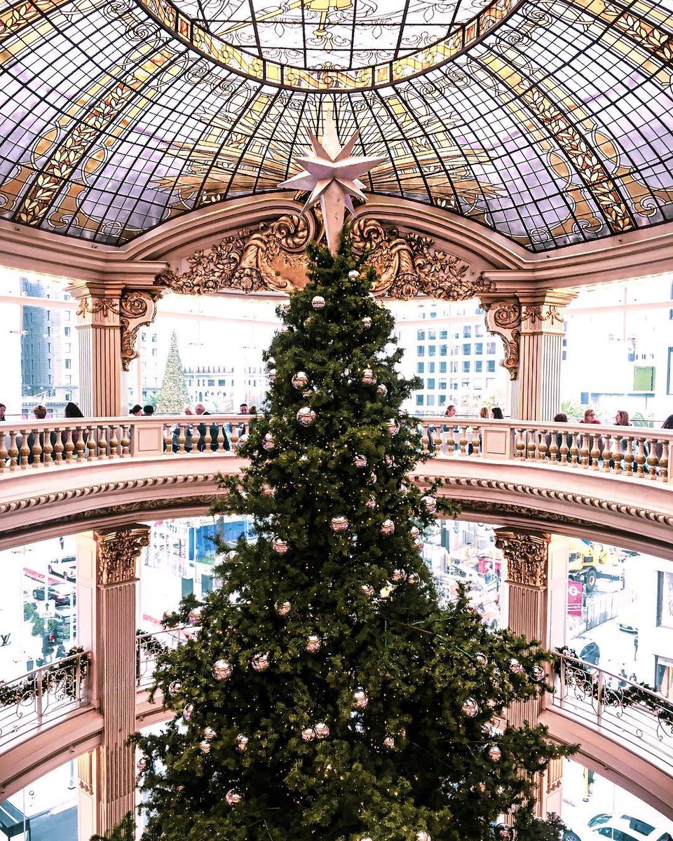 Neimanmarcus Christmas.Neiman Marcus On Twitter Merry Christmas From All Of Us At
