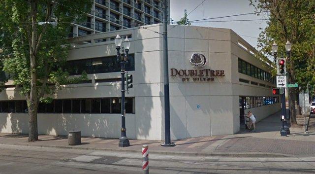 Portland DoubleTree trespasses black guest in lobby   https://t.co/XWRFn7Lw9C