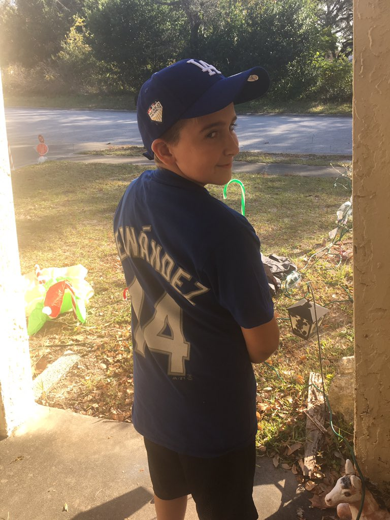 @Dodgers Showing off gear from FL!