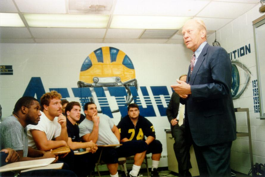 RT @GoBlue365: December 26, 2018 – Rest in Peace Michigan Man Gerald R. Ford! - https://t.co/yy1fGbECoZ https://t.co/2SQR5A64j0