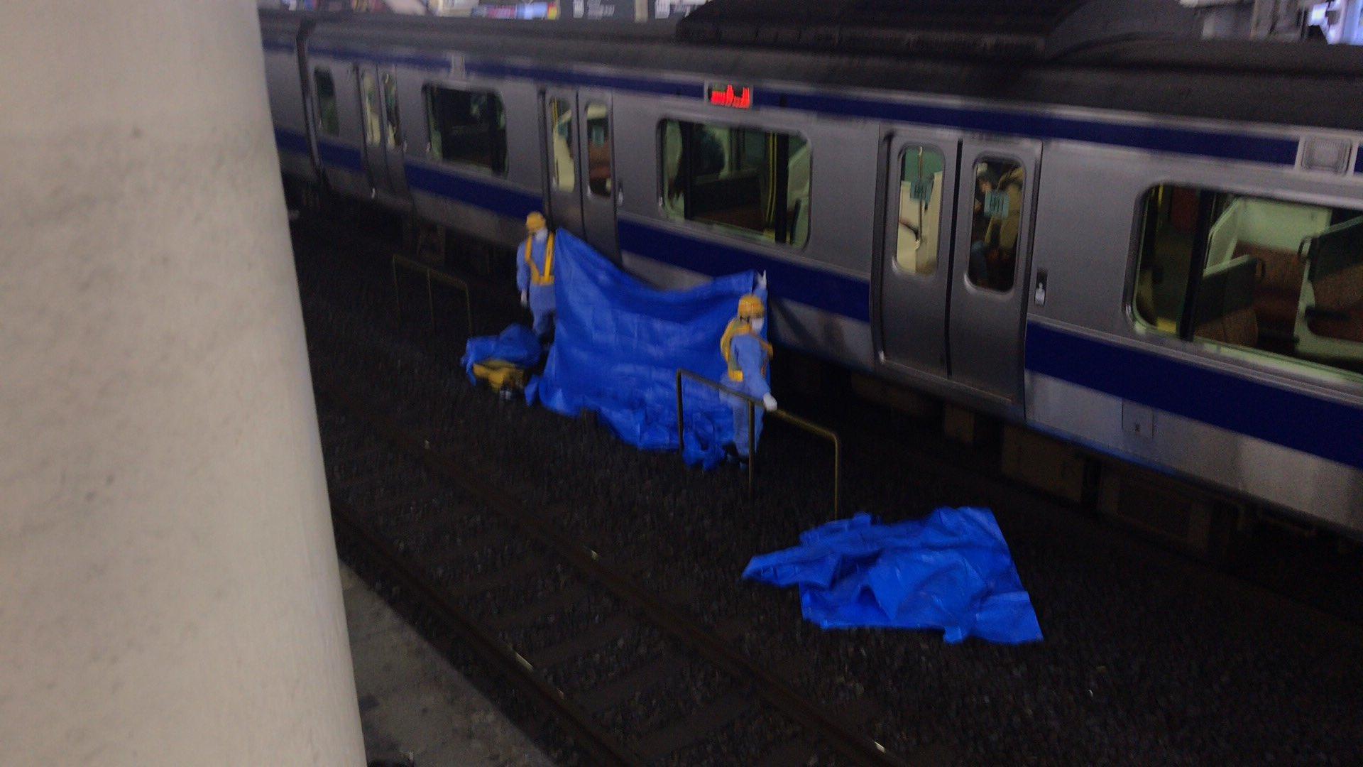 常磐線の柏駅で飛び込み自殺の人身事故の現場画像