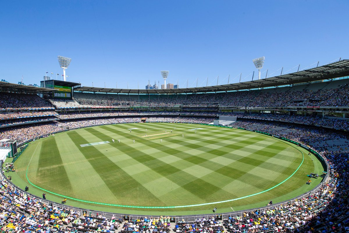Official attendance for Day 1 of the Boxing Day Test is 73,516 #AUSvIND