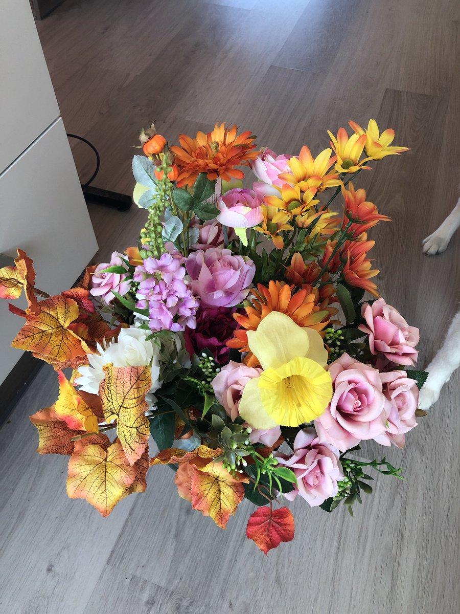 Erika On Twitter Creation Florale En Fausses Fleurs