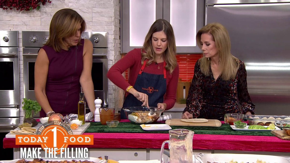 Look who's here! @siriouslydelish is helping us repurpose those tasty holiday leftovers.
