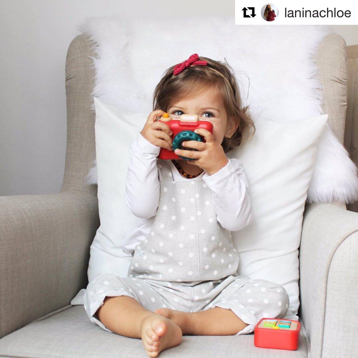 Días de familia, ilusión y mucho amor... 👉 https://carminitta.com/tienda/ropa/peto-largo/peto-bebe-topo-fresa/…