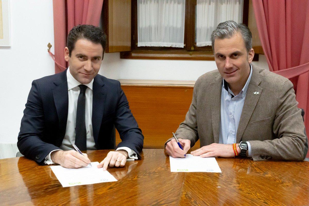 Elecciones en Andalucía - Página 5 DvYNsCeXcAI0iY7