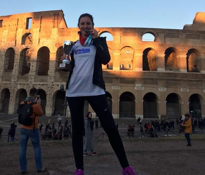 La perugina e arbitro di calcio #StefaniaCedraro si è classificata al secondo posto nella categoria femminile della We Run Rome, gara podistica riservata agli associati dell'A.I.A. – F.I.G.C.  #AboutUmbria #eccellenzeumbre  #arbitrodicalcio #garapodisticapic.twitter.com/PV0Q5kV6R6