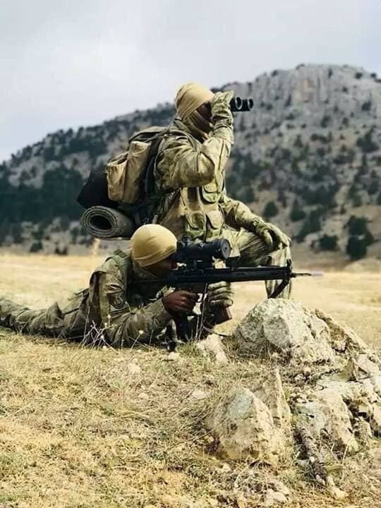 تركيا تخرج أوّل دفعة ضباط صف في الصومال من قاعدتها العسكرية Dv_gwfjX4AIpoCg