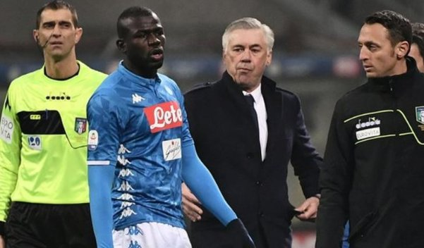 """Next time we'll stop playing, even if we lose the match.""  Napoli boss Carlo Ancelotti said his team asked three times for their match at Inter Milan to be suspended.   More here: https://bbc.in/2Te28Ep"