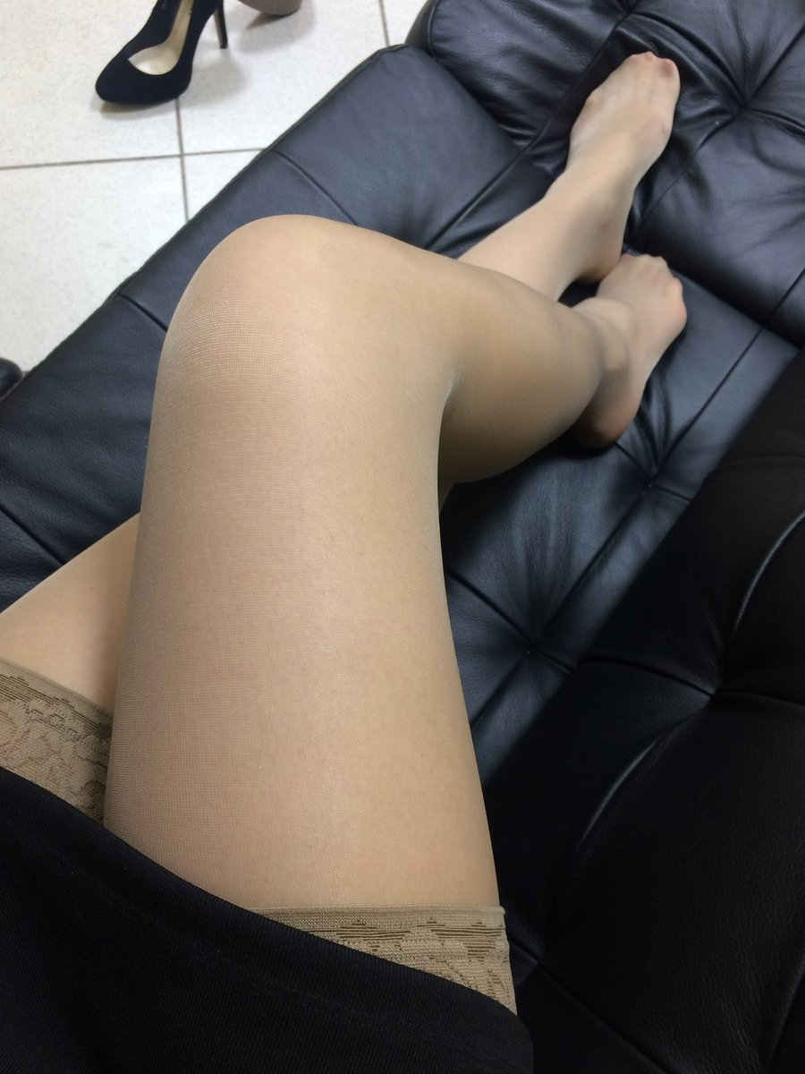 Sexy leg teasing galleries