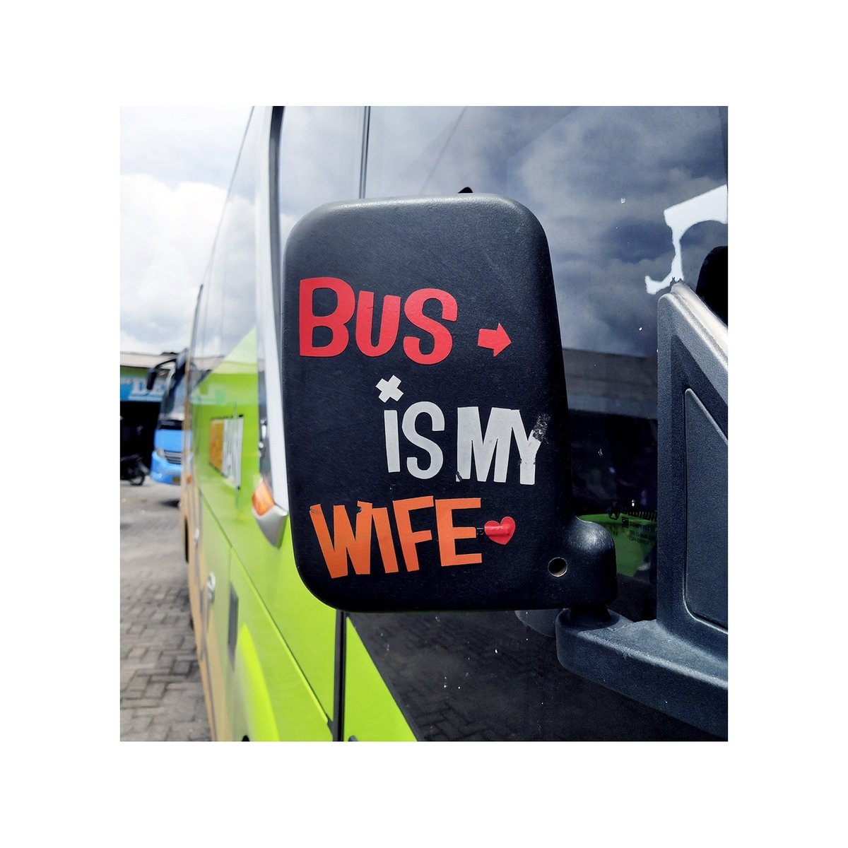 Bus is my wife and TAYO is my son  #jumatpuisi  <br>http://pic.twitter.com/6Nb1fVjZ4E