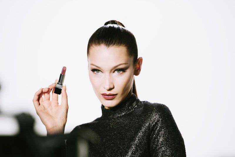 #BellaHadid Gets Glam in #Dior Makeup Holiday Campaign @bellahadid @Dior https://t.co/sqtkZn20kV