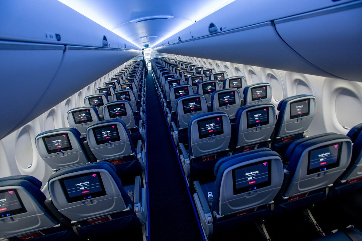 Checking out Delta's new A220.....Beyond everything in it's class with a widebody feel in a narrowbody airplane.. #Delta #DeltaA220 #Airbus #A220 @Delta @DeltaNewsHub @Airbus @AirbusUSA http://www.unnamedproject.com/featured/delta-a220-100/…
