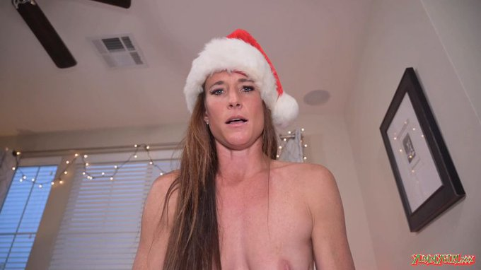 Just sold! Get yours! VanillaPOV Christmas Cream Pie https://t.co/tWo1TRIa1r #MVSales #ManyVids https://t