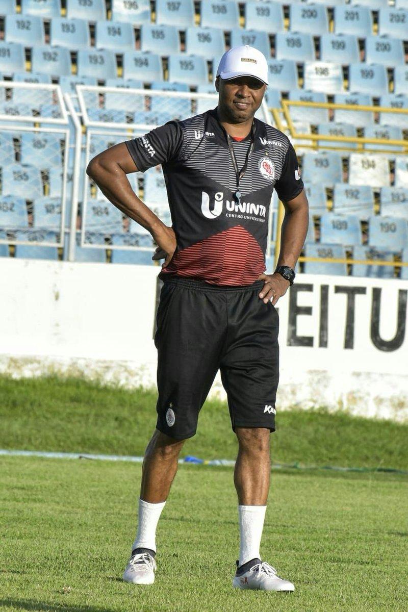O Guarany ganhou com Douglas  Lucão (Emerson), Alex Maranhão, Gleidson e  Makeka  Leandro (Cleberson), Pedro Neto, Robson Alemão e Jefferson  Maranhão  ... 02498524de