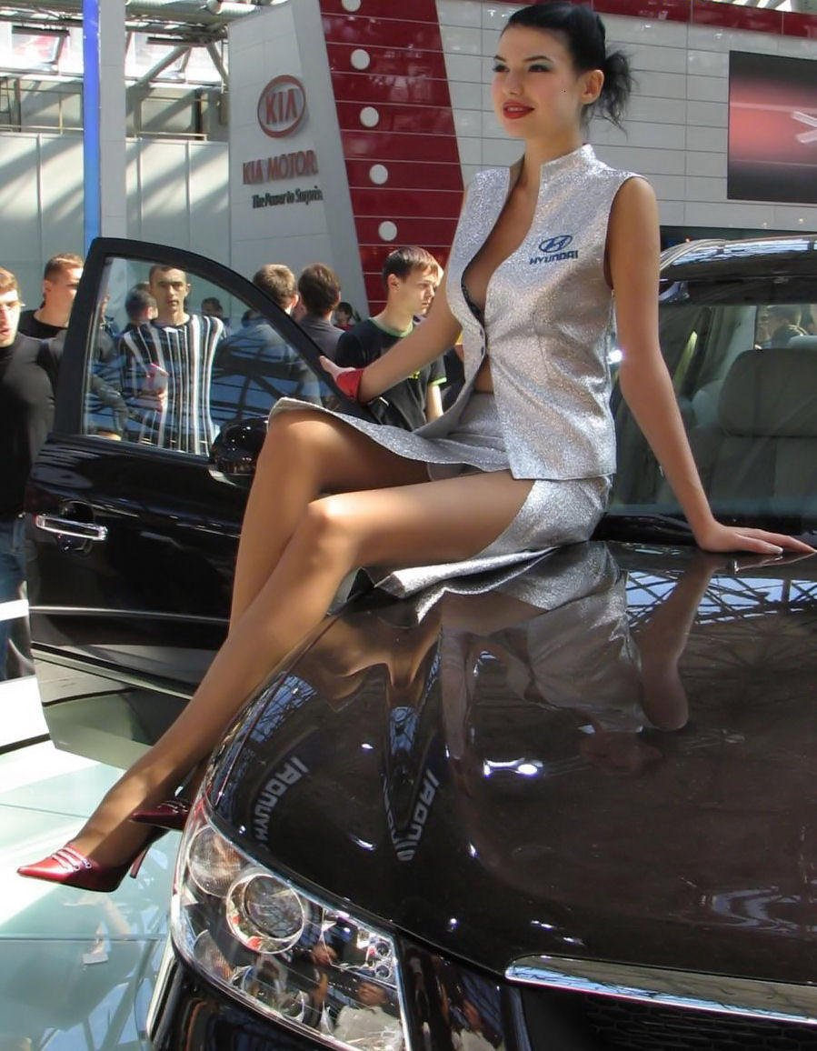 Upskirt No Panties Getting Out Of Cars