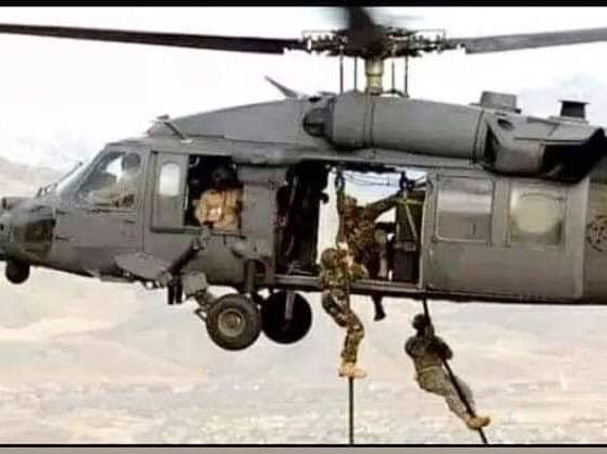 تركيا تخرج أوّل دفعة ضباط صف في الصومال من قاعدتها العسكرية DvjD_IbX0AAP0aR
