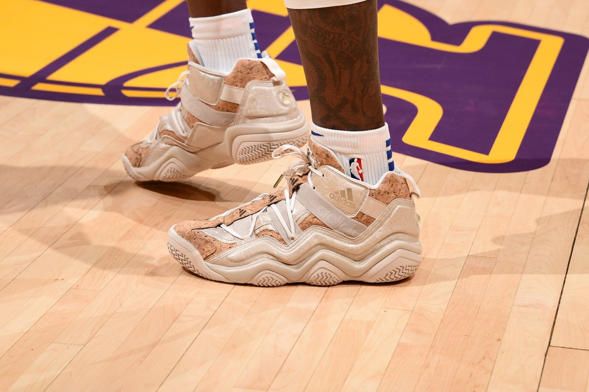 "finest selection 65896 e4129 MONSTATREZZ wearing the Adidas Crazy 97 ""Kobe Vino Pack"" against the  Lakerspic.twitter.comzY4E8vu3xa"