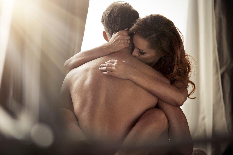 эротические картинки девушка с мужчиной