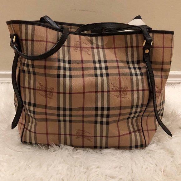 55aa602ab0 Check out all the items I m loving on  Poshmarkapp  poshmark  fashion   style  shopmycloset  burberry  mulberry  https   t.co 6pOS52EIJU… ...