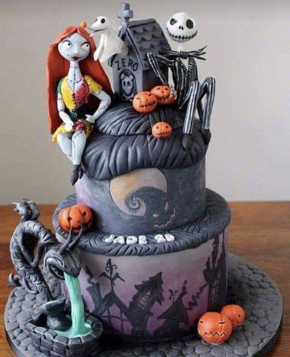 #Cake 🍰 Awesome of the Day: #TimBurton #NightmareBeforeChristmas 💀 Jack & Sally #Gothic-ish Pièce Montée 🎃 #Birthdaycake 🎂 via @Banned_Alt #SamaCake