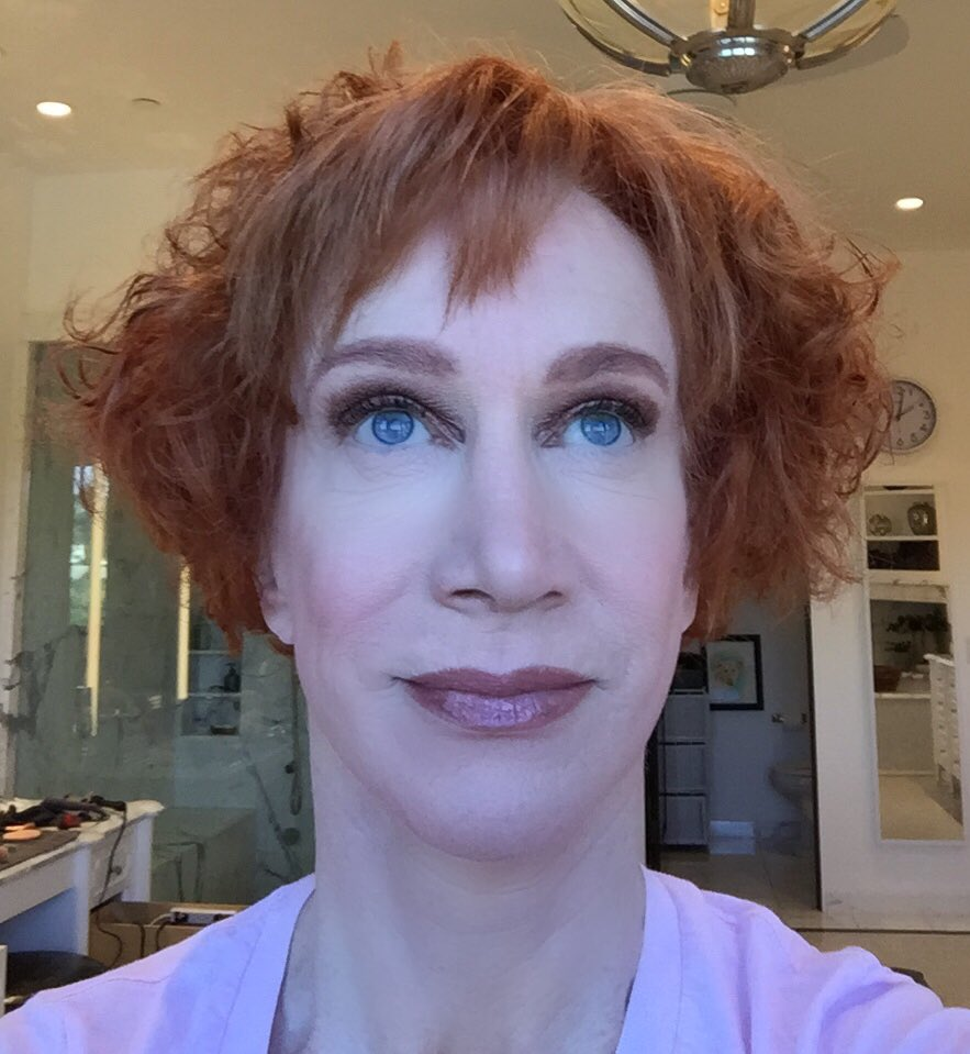 Kathy Griffin On Twitter What Is She Thinking