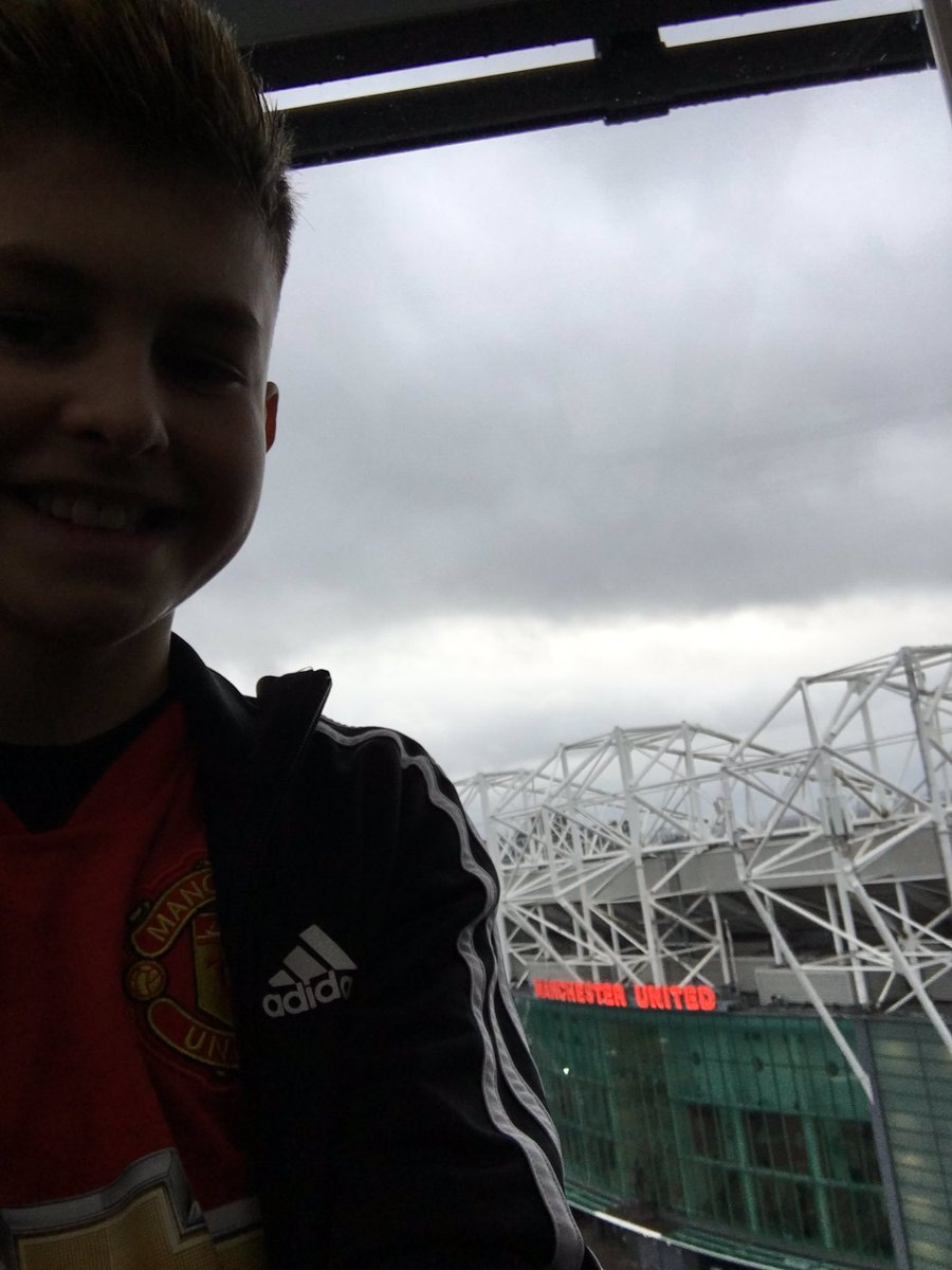 @ManUtd #excitedboy @hotelfootballuk #MUFCFAMILY #mufcxmas #mufc #lastgameof2019 #comeon 🙏🏻🙏🏻⚽️⚽️