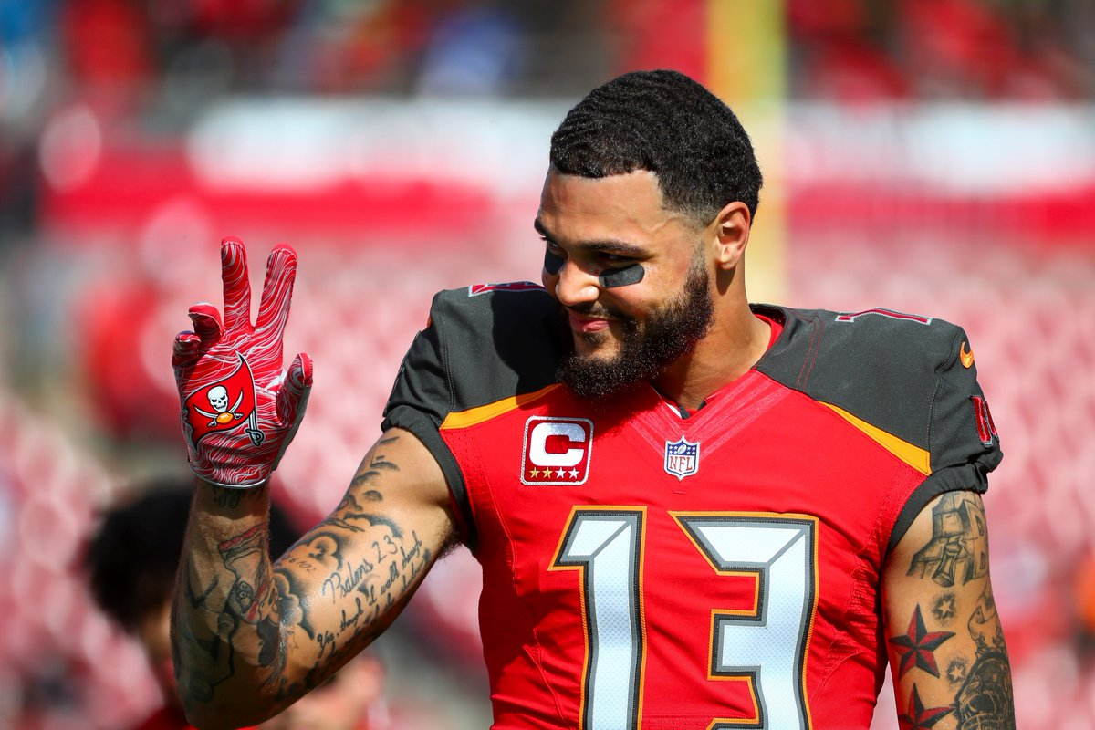 Espn Stats Info No Twitter Mike Evans Passes Mark Carrier For The Most Single Season Receiving Yards In Buccaneers History Evans Now Owns The Buccaneers Records For Most Receiving Yards And Receiving