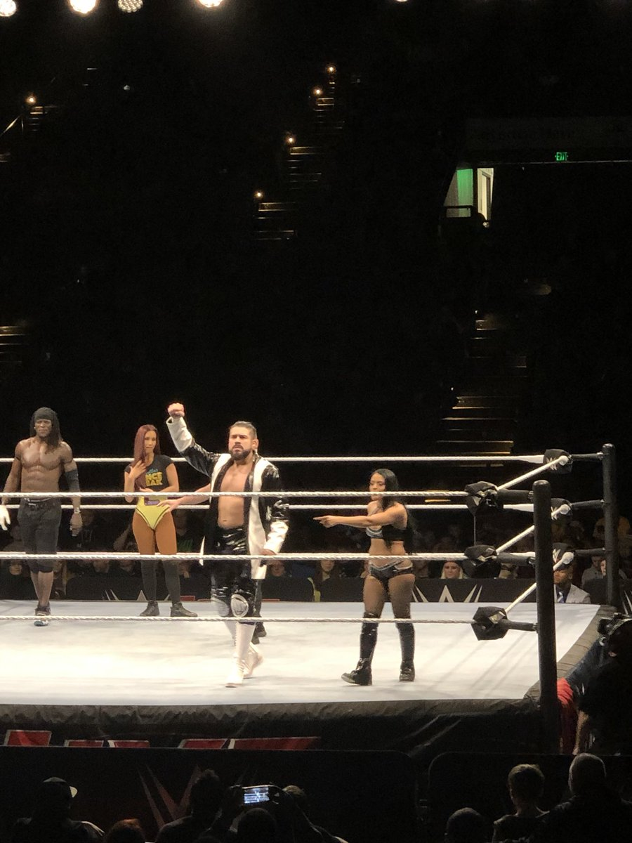 So cool seeing @Zelina_VegaWWE again in Baltimore the other night in max tag team action with @AndradeCienWWE vs @RonKillings and @CarmellaWWE #WWEBaltimore #ZelinaVega #Queens #tranquilopose #ElIdolo