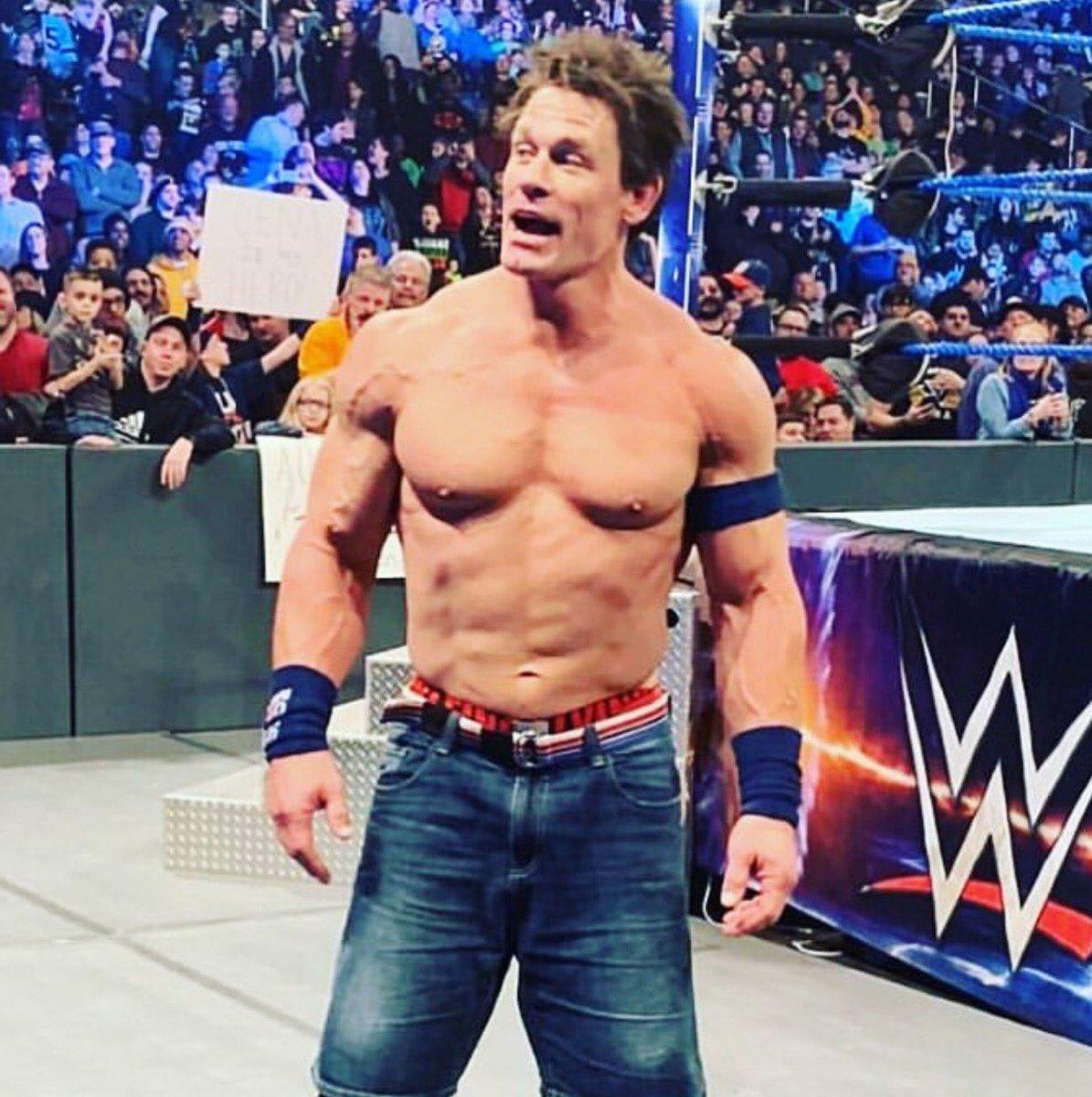 John Cena żartuje sobie z własnej fryzury po SmackDown, odpowiedź na tweeta Becky Lynch