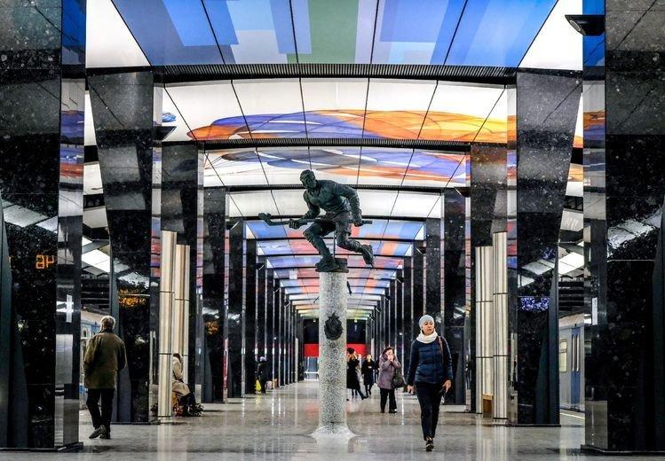 Good Bye Staline! Le métro de #Moscou abandonne le style soviétique https://t.co/glO8cnW1ic