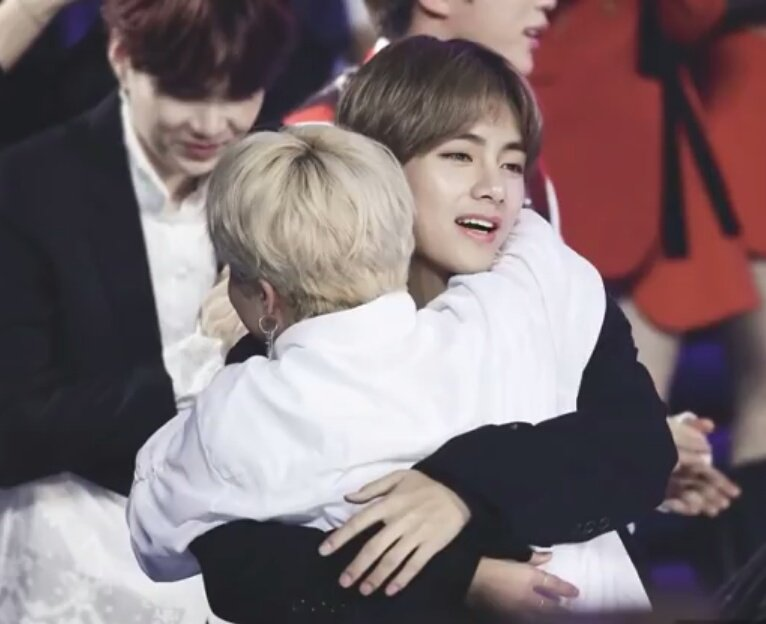 The most beautiful friendship I've seen in my life . my two loves 😭😍💜 #VMIN #v #JIMIN
