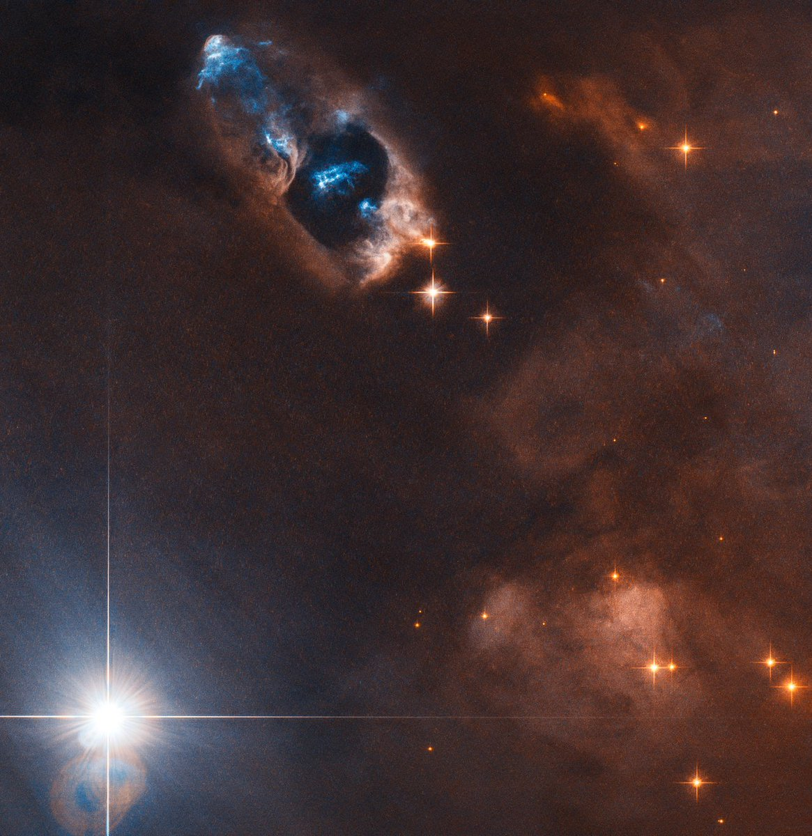 The smoking gun of a newborn star was captured by Hubble. Find out what the story behind this image is at the link below. Credit: @esa / @HUBBLE_space / @NASA K. Stapelfeldt  https://t.co/YFjIBxawLk