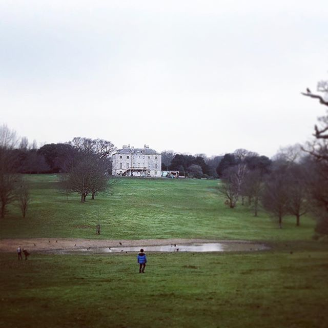 Last visit to @beckenhamplace of 2018. Kids get lost in themselves here. Always. #stayinglocal ••• #sesussed #selondon #greyskies #xmasbreak2018 #nonintendohere #beckenhamplacemansion #beckenhamplacepark #loveselondon #selondonwithkids #lovelocal #se…