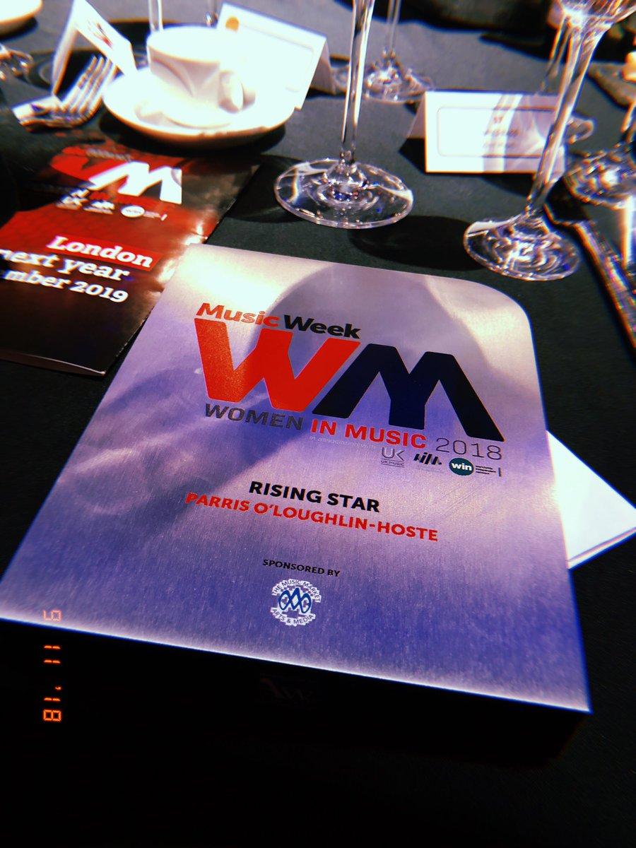 won the rising star award at the women in music awards 😬