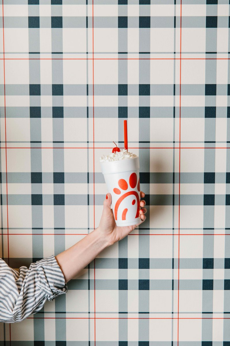 #NationalMilkDay calls for a Chick-fil-A Milkshake! Don&#39;t you think? <br>http://pic.twitter.com/GV1zdSZmGd