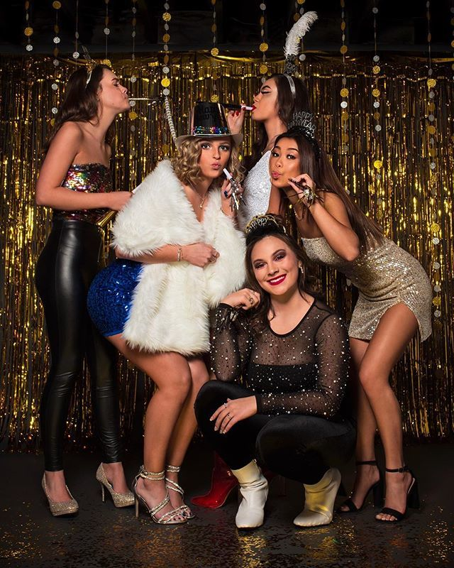 It's almost midnight!!! Let the countdown commence!!! #studiozphotos #studiozseniors #seniorphotographer #senior #seniormodel #model #modelshoot #photochallenge #celebrate #party #newyear #newyearseve #2019 http://bit.ly/2BQ2CcJpic.twitter.com/ZWt2OFW4tx