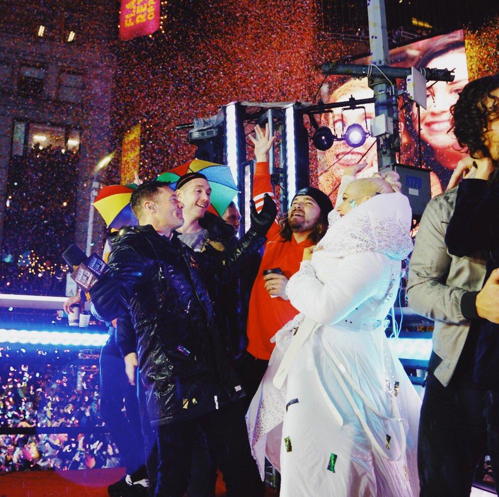 Christina Aguilera >>  'The X Tour' - Página 2 DvzSwbMV4AInBOg