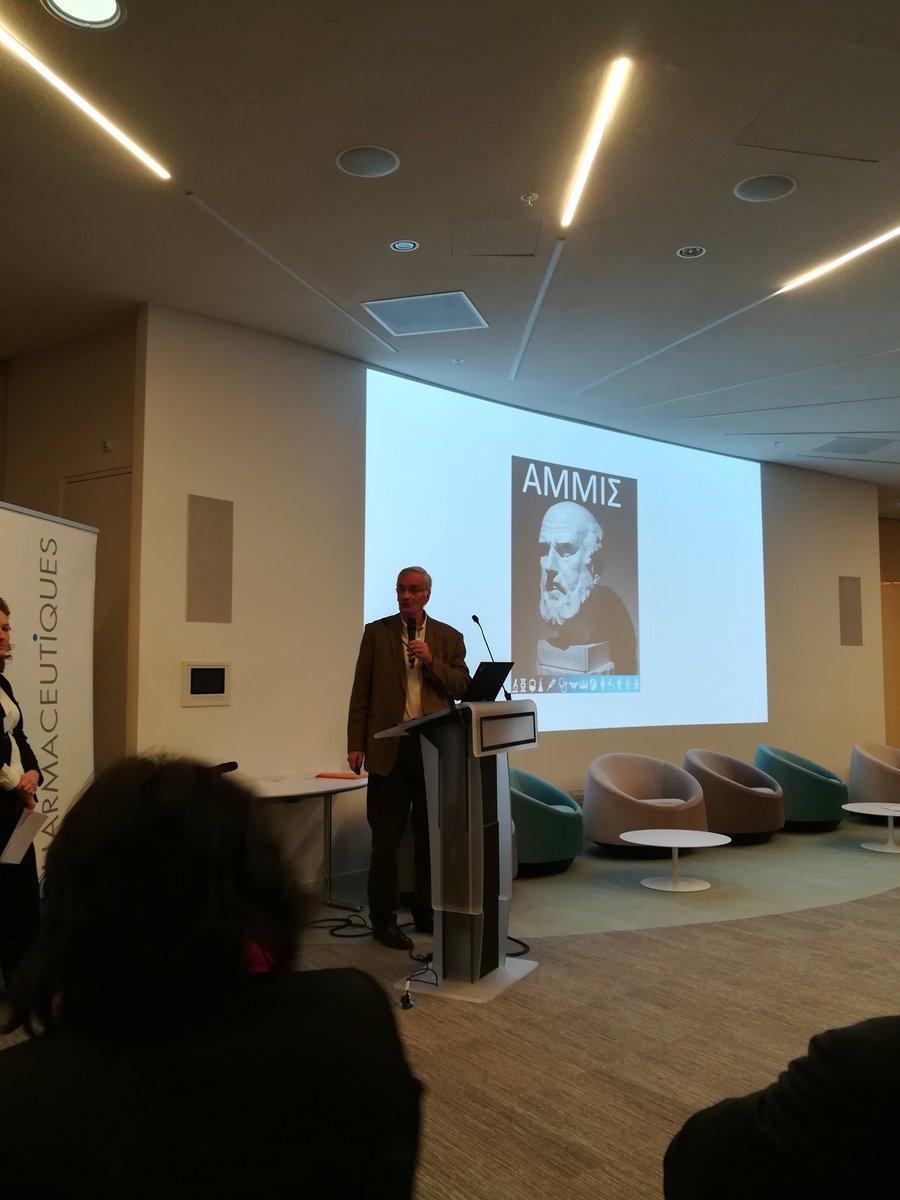 François Xavier Frapaise président de L'AMMIS lance la réunion