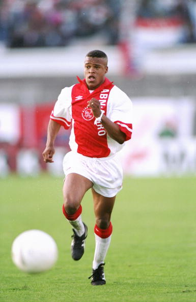 A young Edgar Davids in action for Ajax.<br>http://pic.twitter.com/4GZs0X6hXE