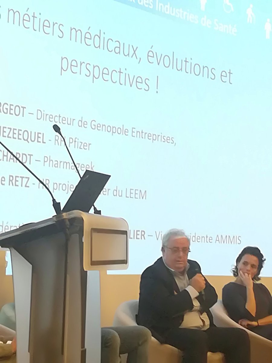 @AlainClergeot : nouvelles technologies, intelligence Artificielle, agilité des petites structures (startup), externalisation... autant d'évolutions qui changent les métiers, les profils des professionnels de santé
